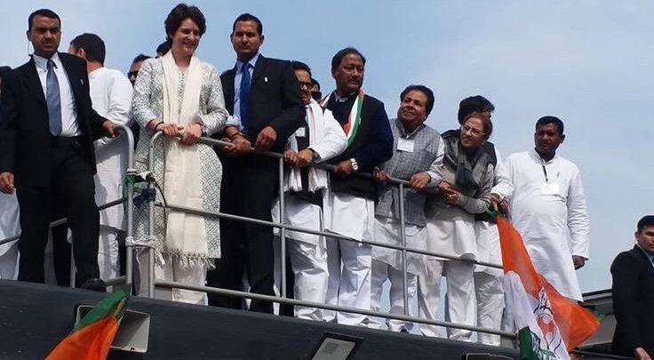 प्रियंका गांधी,प्रियंका,प्रियंका का रोड शो,कांग्रेस,लोकसभा चुनाव